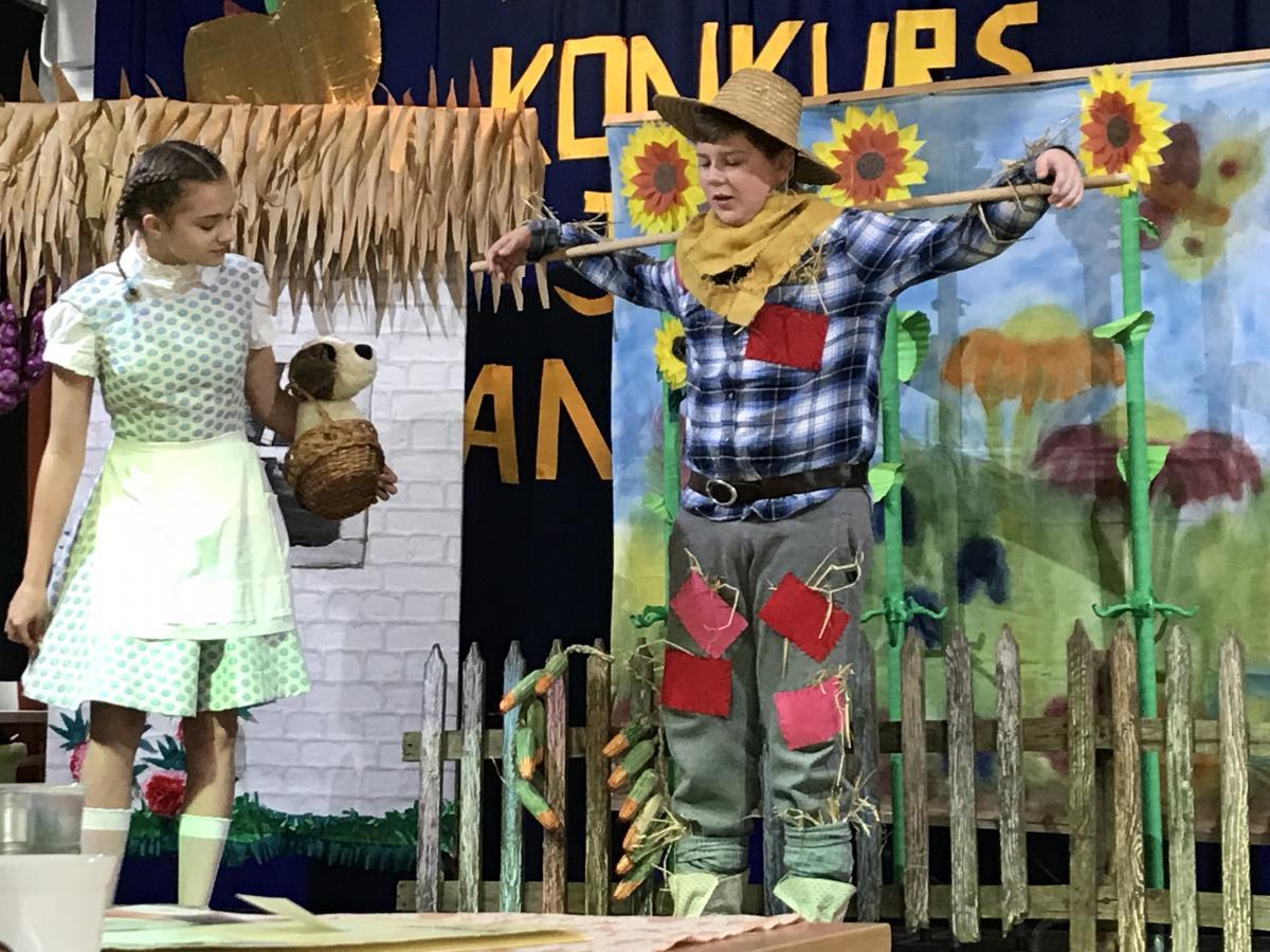 Aleksanadra Guzowska i Kacper Karpiusz - Czarnoksiężnik w Krainie Oz